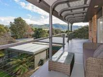 Elanora Holiday House: balcony/terrace