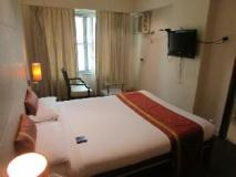 Hotel Shilpa Residency: guest room
