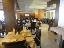 Hotel Shilpa Residency: restaurant