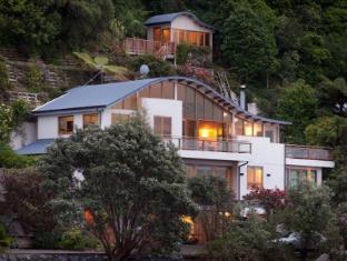 Edgewater Lodge