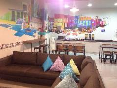 Five Stones Hostel | Cheap Hotels in Singapore