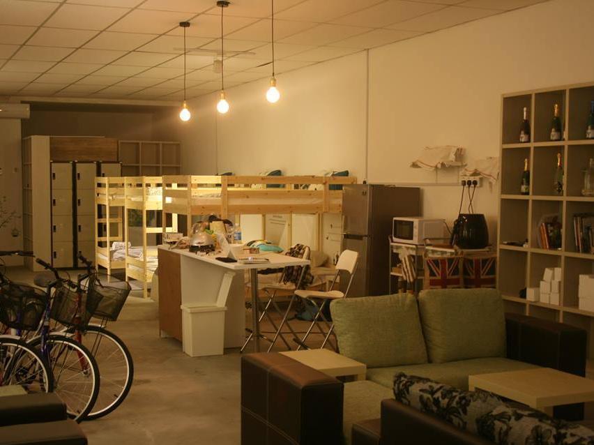 ベッド アンド バイク バックパッカーズ スタジオ6