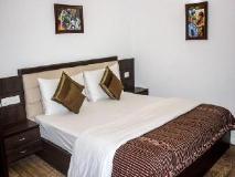 RR Residency: guest room