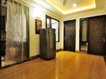 RR Residency: lobby