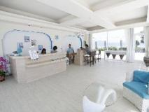 Happy Town Resort: lobby