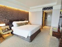 Royal Park Hotel: guest room