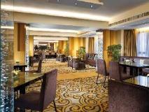 Royal Park Hotel: pub/lounge