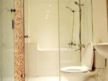 Lanying Home: bathroom
