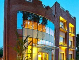 Fab Hotel Phase 3 DLF Club