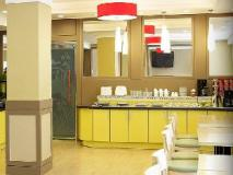 Goodstay Eco Hotel: food and beverages