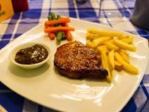 Naviengkham Boutique Hotel: food and beverages