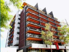 Hay St River View Apartment