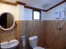 Sokxai Guesthouse Luang Prabang: bathroom