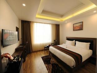 Abode UNA Xpress Hotel