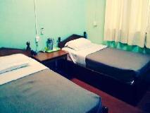 Zay Yar Thein Gi Hotel: guest room