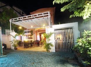 Tin Tin Irish Cafe and Guesthouse