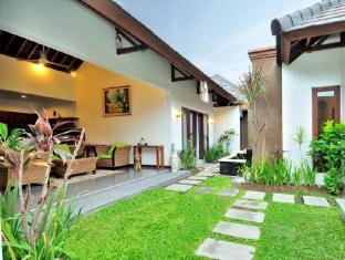 The Wood Double Six Villa Bali