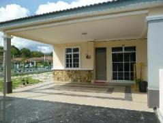 Cheap Hotels in Langkawi Malaysia   Kak Ani Muslim Homes