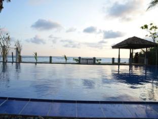 /fi-fi/ocean-crest-hotel/hotel/unawatuna-lk.html?asq=vrkGgIUsL%2bbahMd1T3QaFc8vtOD6pz9C2Mlrix6aGww%3d