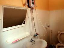 Hmong Thor Guesthouse: bathroom
