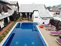 Le Vangbua Villa | Laos Budget Hotels