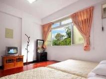 Dahan Guest House: guest room