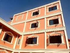 Khamsaner Apartment Laos