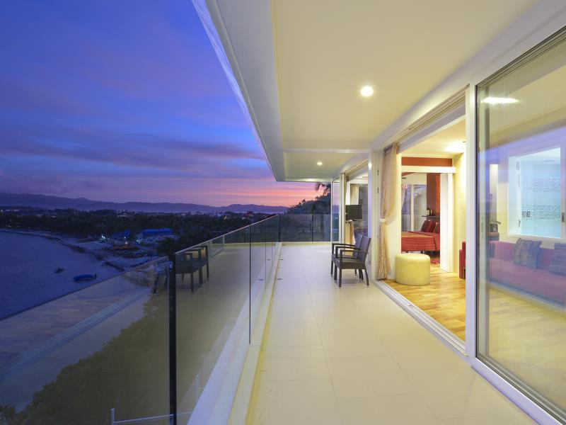 ラグジュアリー スイーツ アット カルーナ ボラカイ スイーツ (Luxury Suites at Karuna Boracay Suites)