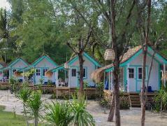 Le Pirate Beach Club Gili Trawangan Indonesia