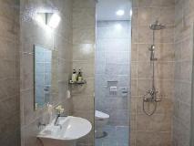 Inaver Hotel: bathroom