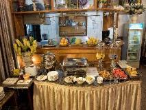 Mann Myanmar Inn: buffet