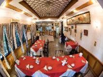 Mann Myanmar Inn: restaurant