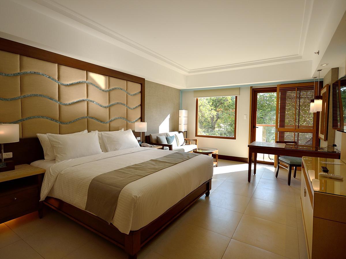 Henann Resort Alona Beach42