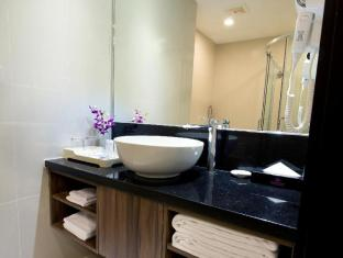 Hotel Royal Kuala Lumpur Kuala Lumpur - Toilet Counter