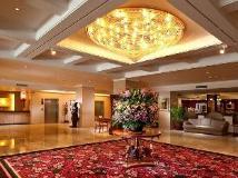 Kingdom Hotel: lobby