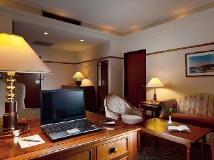 Kingdom Hotel: suite room