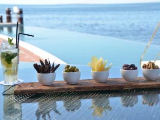 Radisson Blu Waterfront Cape Town Cape Town - Tobago's  Restaurant
