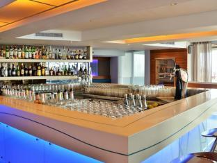 Radisson Blu Waterfront Cape Town Cape Town - Tobago`s Bar