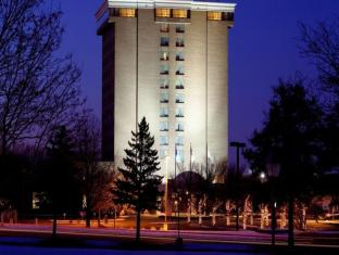 DoubleTree by Hilton Minneapolis North
