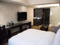 Urban Chic Inn: guest room