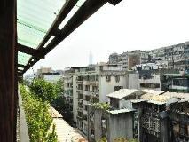 EZbookers Fuxing B Hotel: balcony/terrace