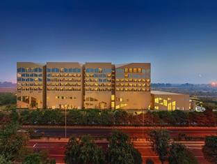 /vivanta-by-taj-dwarka-new-delhi-hotel/hotel/new-delhi-and-ncr-in.html?asq=jGXBHFvRg5Z51Emf%2fbXG4w%3d%3d