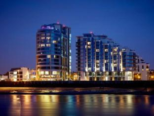 Crowne Plaza London - Battersea