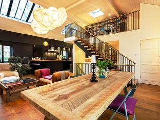 Veeve  Scampston Mews Townhouse
