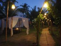 The Mandala Resort: garden