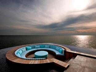 Avillion Port Dickson Port Dickson - aVi Spa Floating Balcony