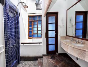 Avillion Port Dickson Port Dickson - Premium Water Chalet Bathroom