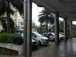 Royal Regency Hotel Chennai - Entrance