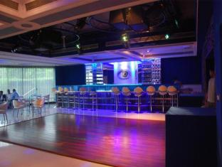 Dee Marks Hotel and Resorts New Delhi and NCR - Pub/Lounge