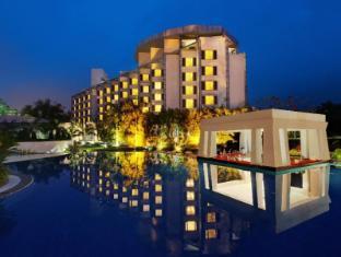 Ramada Plaza JHV Hotel